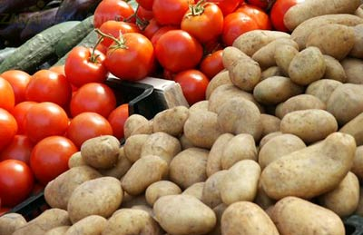 Prices of potatoes, tomatoes decline